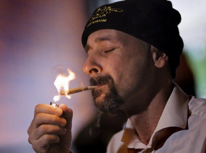 cannabis-italy-amsterdam-marijuana-legalisation